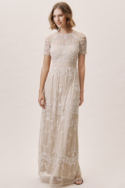 15 Utterly Chic Sophisticated Wedding Dresses For The Refined