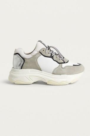 bester Ort für Großhandelspreis 2019 zahlreich in der Vielfalt Chunky Sneakers à la Balenciaga Triple S: Das sind die ...