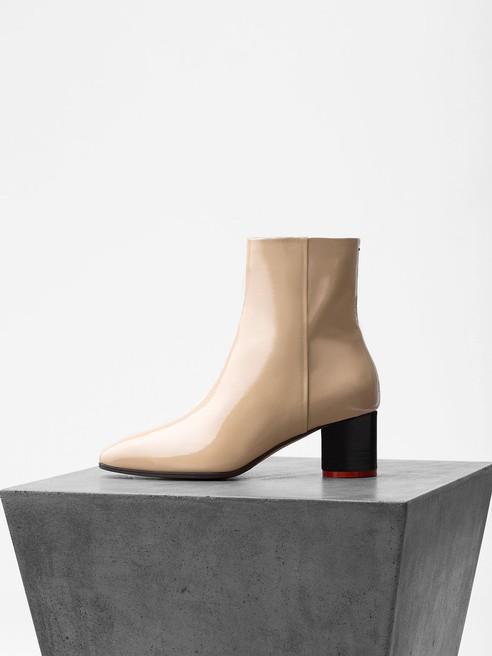 Aeyde Wildleder Kate Ankle Boots Aus Veloursleder in Natur